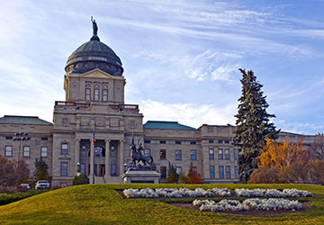 Helena, Montana capital building front entrance and front lawn